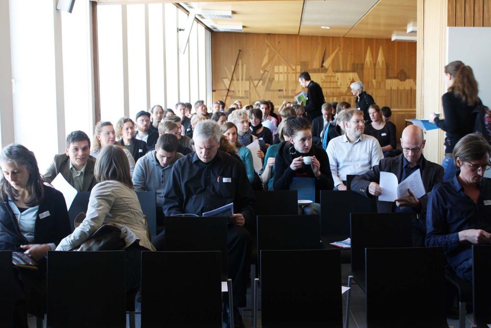 Konferenzraum im ehemaligen Bundeswehrhochhaus
